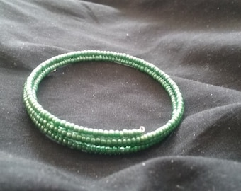 Green Seed Bead Memory Wire Bracelet, Green Beaded Bracelet, Women's Fashion Accessory, Green Memory Wire Bracelet