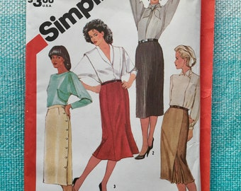 1980s Simplicity 6234 Sewing Pattern Ladies Misses Straight Slim Fitted Pencil Skirt Asymmetrical Kick Pleat Trumpet Button Size 14 Waist 28