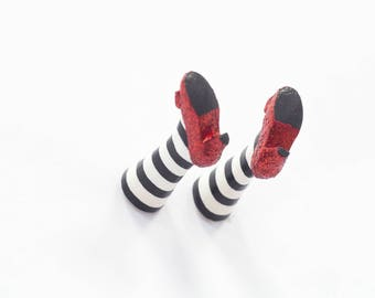 Wicked witch magnet legs by MyBookmark. Unusual gift for her, mom, girl, sister, teacher, teen girl, coworker, student, granny, child, women