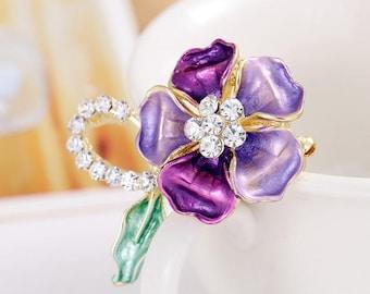Elegant Rhinestones Daisy Blossom,  Retractable ID Name Badge Holder.