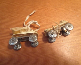 Vintage Doll Shoes Boots - Roller Skates - 1930's Cloth Uppers and Metal wheels Lace up Skates Rollerskates / AS FOUND