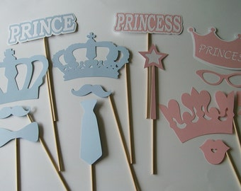 Gender Reveal Photo Props / Crowns / Prince and Princess / Baby Shower (2132D)