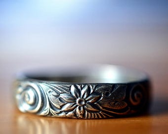 Oxidized Silver Ring, Floral Pattern, Mens Wedding Band, Personalized Gift, Renaissance Style Engagement Ring, Engraved Sterling Silver Ring