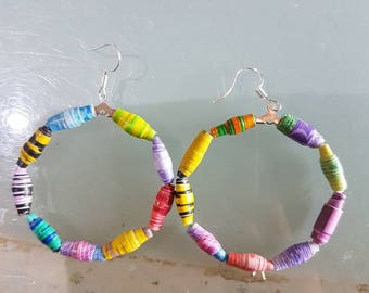 Earrings in paper beads