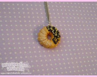 Swirl donut  with nuts necklace sweet lolita