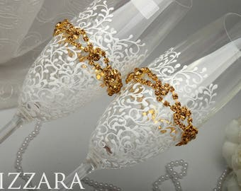 GOLD Wedding champagne flutes Gold champagne flutes Engraved champagne flutes Wedding toasting glasses GOLD Champagne toasting flutes gold