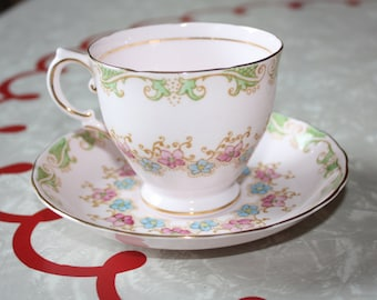 Adorable Tuscan Pink Floral Bone China Vintage Tea Cup and Saucer, Made in England