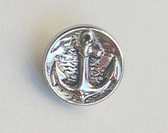 Anchor sailor round button in silver with pattern