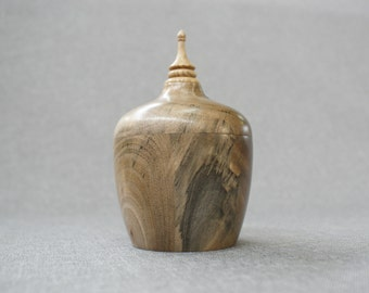 Handmade walnut and oak vase,Handlathed,Valentine's gift