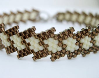 Peyote Bracelet / Beaded bracelet in Brown and Cream / Seed Bead Bracelet / Beadwoven Bracelet / Beadwork Bracelet / Thin Bracelet
