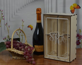 Personalized Champagne Flute Gift Box with Acrylic Front and 2 Custom Etched Crystal Flutes.