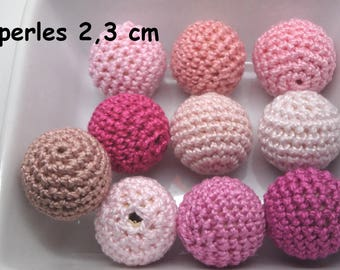 10 beads (2,3 cm) pink color made of Mercerized cotton crochet