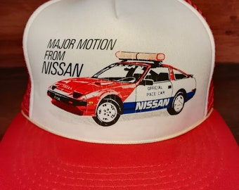 Vintage Major motion from nissan red and white snapback trucker hat