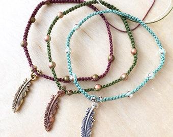Macrame Feather Charm Bracelet / Boho Bracelet / Knotted Bracelet