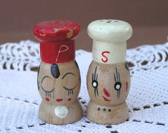 Vintage Wooden Chef Faces Salt & Pepper Shakers Made in Japan