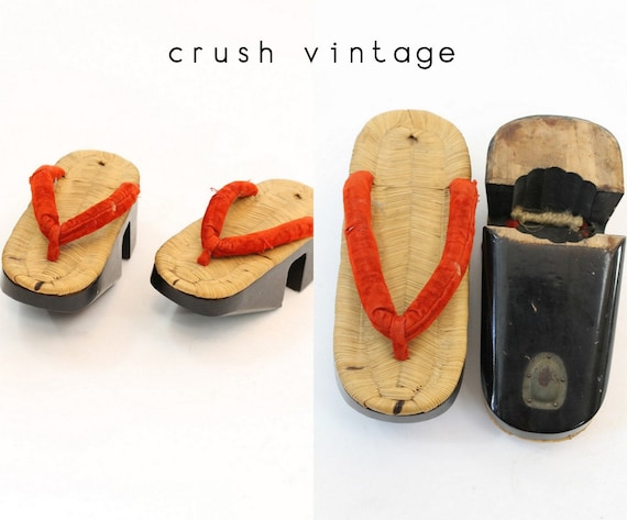 50s Geta Shoes 5 / 1950s Vintage Traditional Japanese Shoes / Akio Heels