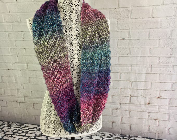 Light Wool scarf / wool infinity scarf / gift for her / ready to ship / knitted infinity scarf / gift ideas / made in Canada / women's scarf