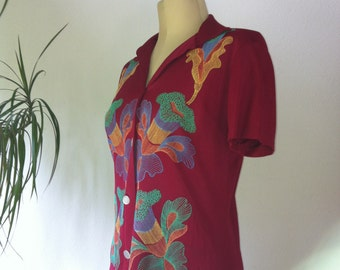 Exceptional 1940 Embroidered SHIRT / Ladies Size 8 / Tomato Red / Blouse / Georgia O'Keeffe Flowers