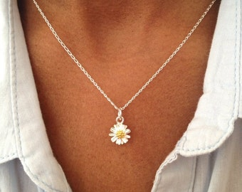 Sterling Silver Daisy Necklace, Floral Necklace, Floral Jewelry Gift UK Shop   Birthday Gift Mothers Day Gift