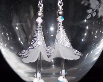 White Flower Earrings, Bridal Earrings, Wedding Earrings, Drop Earrings, White Frosted Lucite Flower Earrings, Wedding Jewelry, Handmade