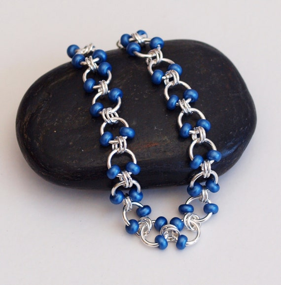Make A Chain Mail Bracelet: Metallic Blue Beaded Chainmaille Bracelet Cable Weave