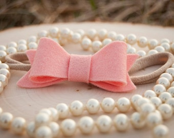 Baby felt bow headband or clip. Infant headband or clip. Toddler headband or clip. Girls headband or clip. Peach felt bow.