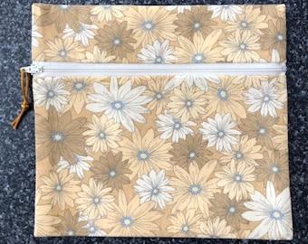 Reusable Zipper Bag - Tan/Brown/White  Daises