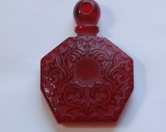 Ruby Red Etched Faux Perfume Lucite Bottle Pendant Vintage pnd064D