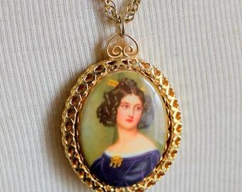 Cameo Necklace Painted Porcelain Vintage Gold Tone