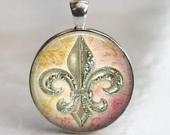 Shiny Fluer de Lis - Glass Pendant, Necklace or Key Chain - Shiny Silver Setting - 30mm