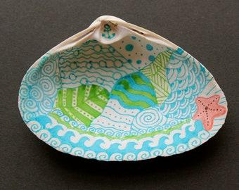 Zentangle-inspired Shell Art Jewelry Dish Décor