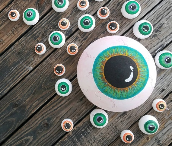 Halloween Wall Art, Eyeball Wall Art, Halloween Prop, Halloween Decor, Eyeball Decor