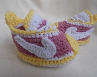 Crochet Baby Shoes, baby nike, Baby Crochet, Nike Shoes, Crochet Tennis  Shoes