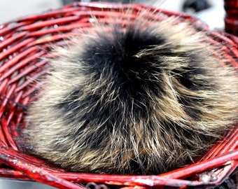 Real racoon fur pompon | Pompon to fix on hat | for knitter et crocheter | DIY Pompon | Brown pompon | with cord | diy pompon