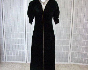 1940s Black Silk Velvet Robe / Hostess Gown .......  size X-Small to Small