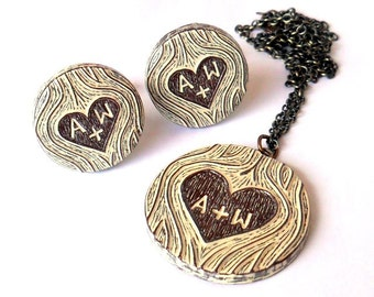 Personalized Bride And Groom Gift, Carved Initials Faux Bois Wood Grain Cufflinks and Necklace, Couple Gift, Woodland Wedding Jewelry