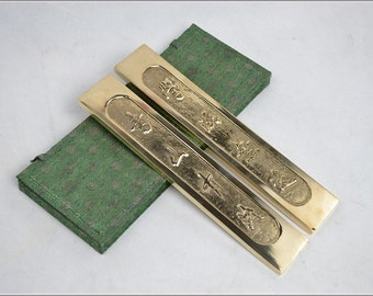 Free Shipping Chinese Calligraphy Material  25x4.5x1.2cm Pair Pure Copper Carved Chinese Paperweight / Chinese Couplet - 1.08kg -  0025