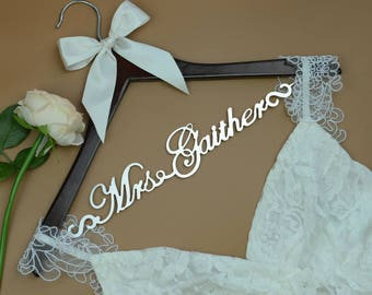 Personalized Hanger for Wedding Dress, Wedding Hanger Personalized, Bridal Hanger for Bride, Bridal Shower Gift, Dress Hanger Wedding