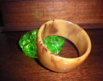 Bakelite Bracelet in Butterscotch and Red
