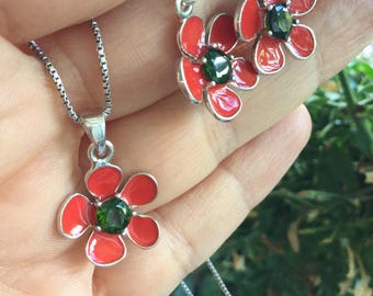 Red flower and Chrome Diopside