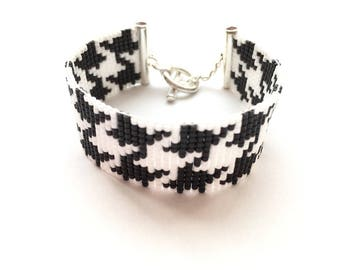 Lovely black and white bracelet woven with miyuki beads