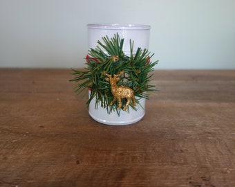 Christmas tin can (with wreath and gold reindeer)