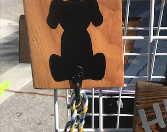 Dog leash hanger