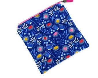 Small cosmetic bag, Flower makeup bag, Make up Zipper pouch, Womens toiletry bag, Cosmetic bag for purse, Blue purse, Vegan purse