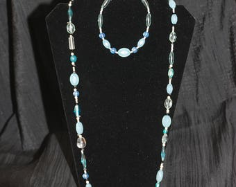 Shades of Blue Necklace and Bracelet Set