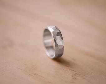 Faceted Argentium Silver Ring with Straight Line Texture - 100% Recycled Argentium Silver