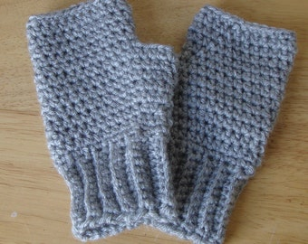 Handmade Fingerless Gloves Handwarmers Medium Grey Gray SRA Crochet Ladies