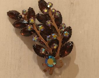 Pretty, Vintage, Brown Rhinestone Floral/Leaf Brooch