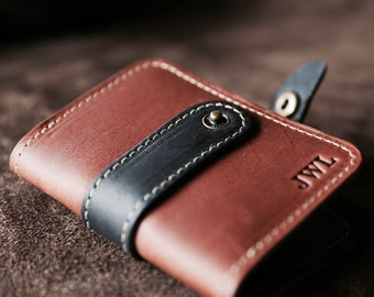 Personalized Groomsmen Gift - The Doolittle Fine Leather Bi-Fold Wallet - Groomsman Gifts - Wedding Party Gift - Best Man Gift - Wallets