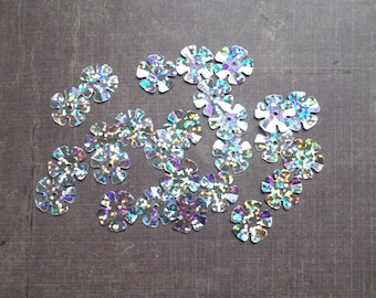 Lot 100 Sequins 1.3 cm grey white silver color flower shape